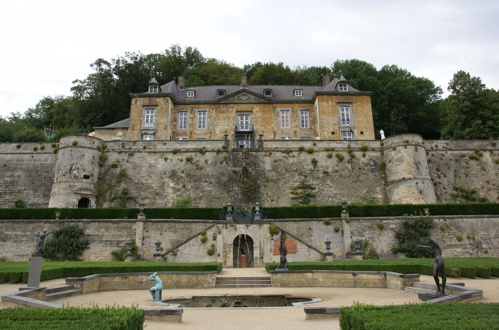 1200px-Maastricht_-_rijksmonument_27951_-_Chateau_Neercanne_20100731.jpg